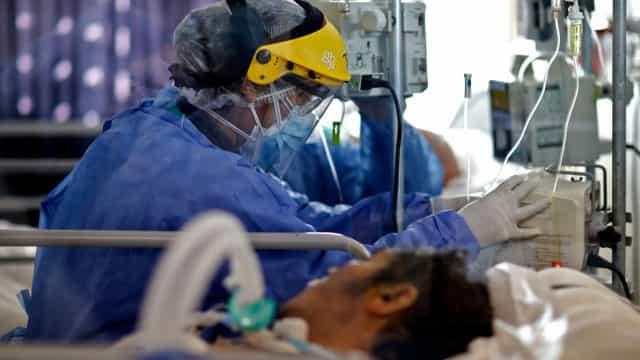 Brasil registra 21,2 milhões de casos e 590,7 mil mortes