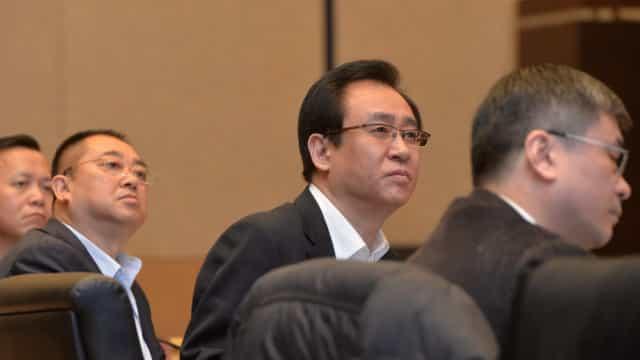Fundador da Evergrande tenta acalmar funcionários e analistas aguardam sinal de ajuda do governo chinês