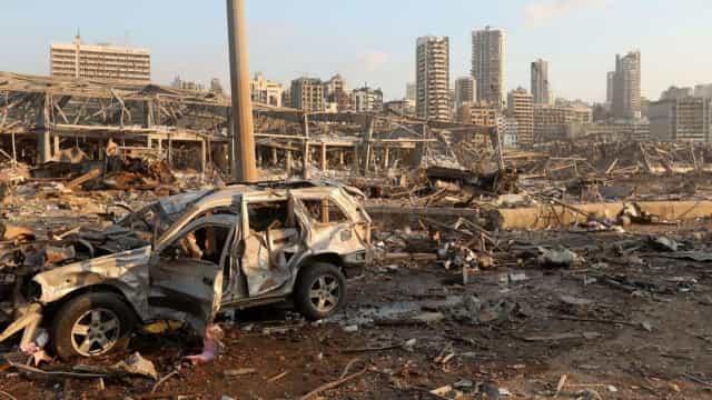 Líbano interrompe investigações sobre megaexplosão em porto após pressão política
