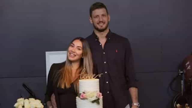 Dani Bolina se casa com lutador Thiago Rela